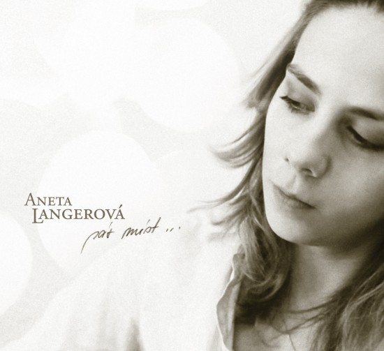 RECENZE: Aneta Langerová svlažila Pár míst… svým šarmem