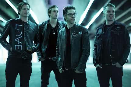 Zpěvák z Blink-182 se nezastaví, Angels and Airwaves mají další album