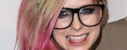 VIDEO: Avril oprášila tenisky a chce zůstat navždy mladá