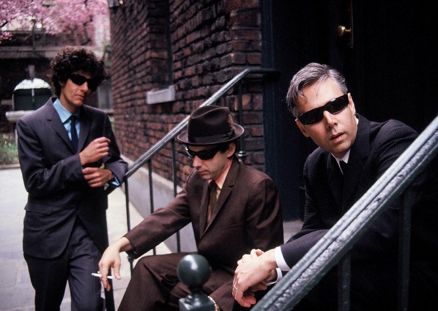 Smrt prodává, Beastie Boys po úmrtí MCA postupují v žebříčku