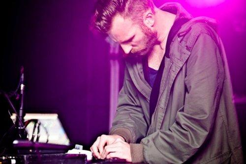 LIVE: Ben Frost odehrál smrtící koncert
