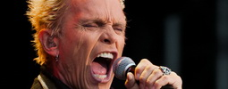 Král rebelů Billy Idol se v červnu zašklebí i v Praze