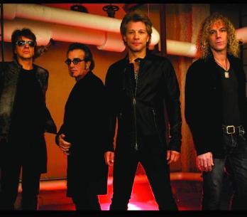 RECENZE: Bon Jovi nadobro vypadli z rockového vlaku
