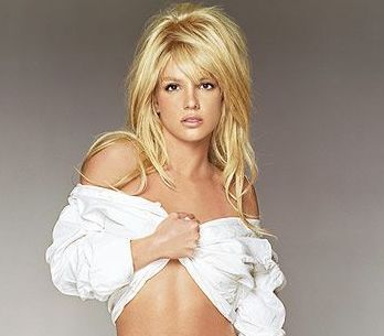 RECENZE: Stane se Britney Spears vaší Femme Fatale?