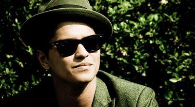 Nejstahovanější singly? Bruno Mars porazil Adele i Lady Gaga!