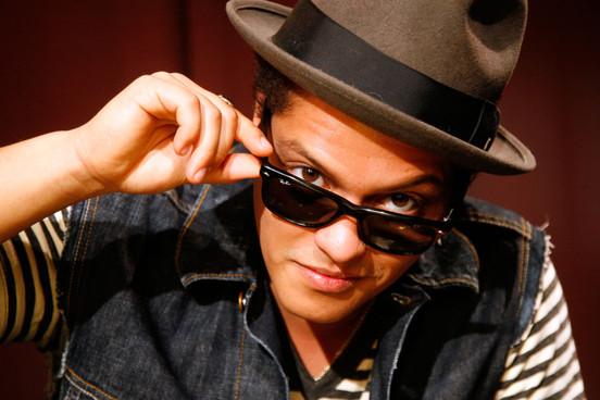 Pokračování ságy Twilight zná svůj soundtrack, titulní píseň nazpíval Bruno Mars