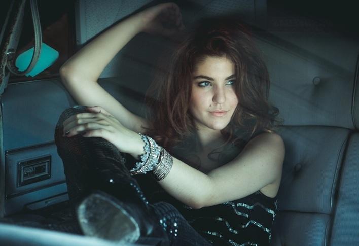 Celeste Buckingham boduje v USA, je objevem Billboardu
