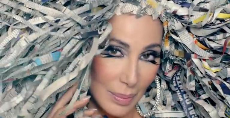 VIDEO: Cher se ježí vlasy v jejím vlastním světě
