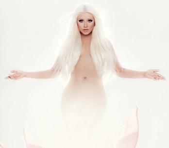 RECENZE: Christina Aguilera jako květinka chřadne a uvadá