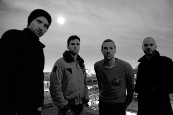 VIDEO: Coldplay věří na kouzla. Sami kouzlí s atmosférou