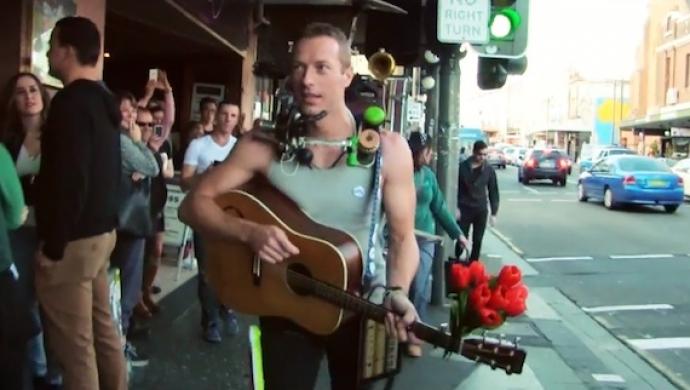 VIDEO: Coldplay přepadli nic netušící Sydney