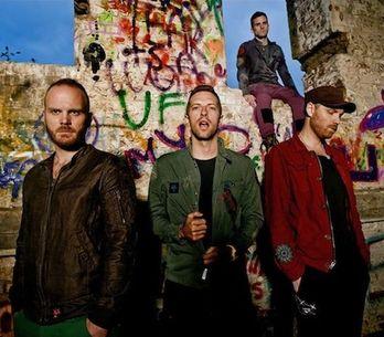 Coldplay zavzpomínali na Amy Winehouse, zahráli Rehab