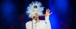 LIVE: Björk na Colours Of Ostrava přitáhla davy. Její koncert pro ně ale nebyl