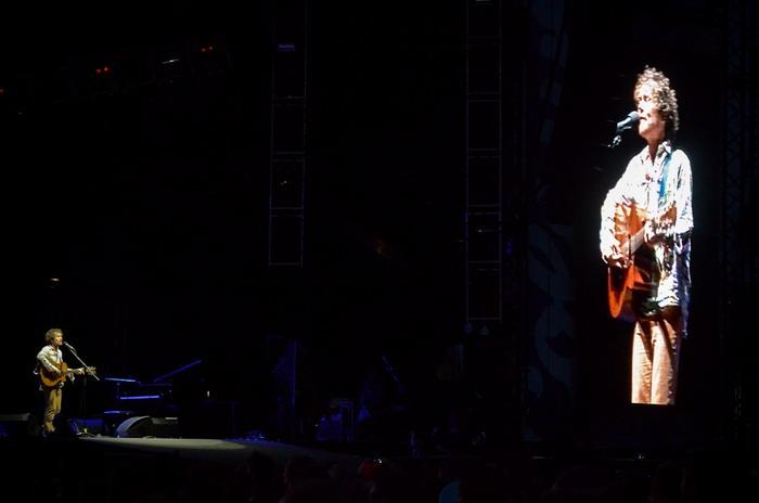 LIVE: Damien Rice si na pódium Colours pozval i Markétu Irglovou