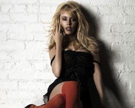 Kylie Minogue osprchuje návštěvníky svého koncertu