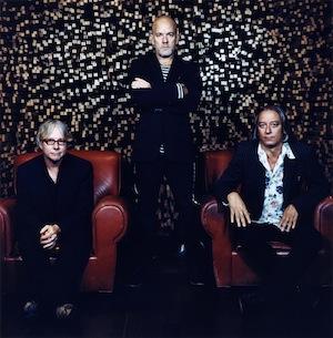 R.E.M. vybrali singl pro česká rádia a libují si v překvapeních