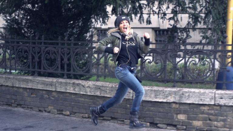 VIDEO: Dara Rolins na kameru zaznamenala svůj běžný den