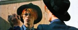 RECENZE: David Bowie může vyučovat moderní dějiny