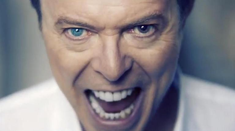 VIDEO: Hrůzný Valentýn Davida Bowieho