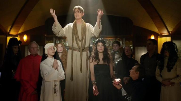 VIDEO: Kristus nebo antikrist? David Bowie jako Ježíš provokuje církev