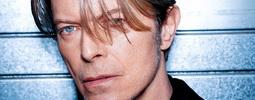 Brit Awards: David Bowie je zpěvákem roku. Po 30 letech