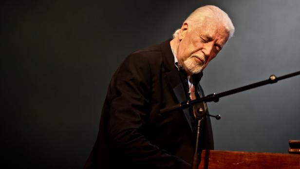 Zakladatel Deep Purple Jon Lord zemřel na rakovinu slinivky