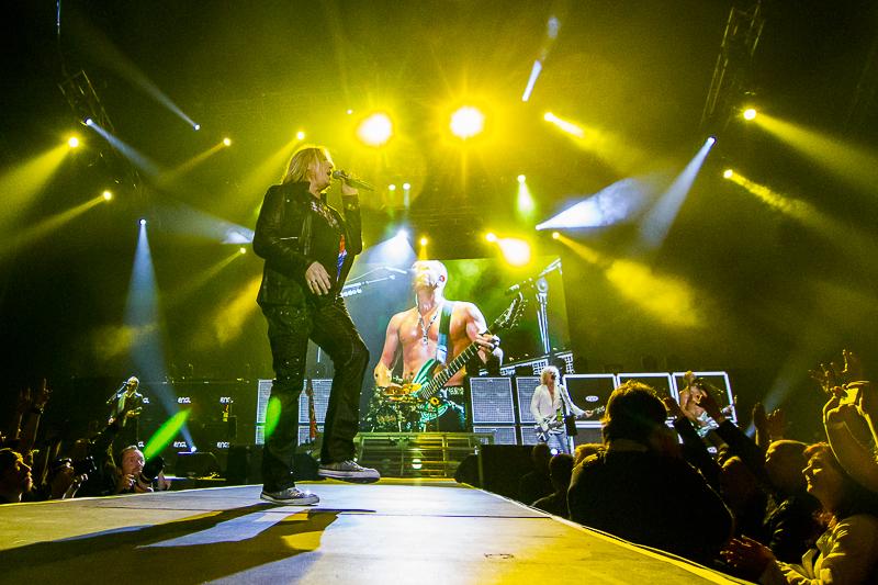 LIVE: Mačové Def Leppard už hysterii nevzbudí, ale pořád válí