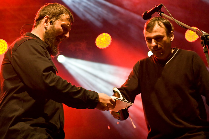 LIVE: Divokej Bill pokřtil v Brně patnáctku deštěm i bublinkami
