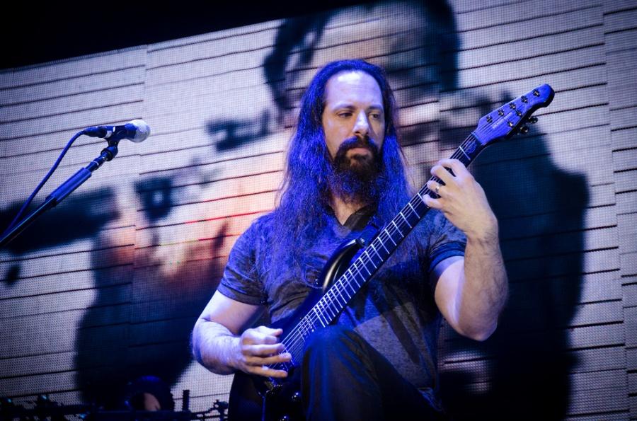 LIVE: Akademici Dream Theater jsou stále bezkonkurenční