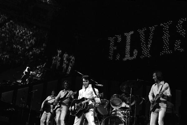 Zemřel John Wilkinson, doprovodný kytarista Elvise Preselyho