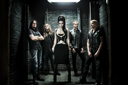 """Evanescence přispěli ke světovému míru, """"předali"""" Nobelovu cenu"""