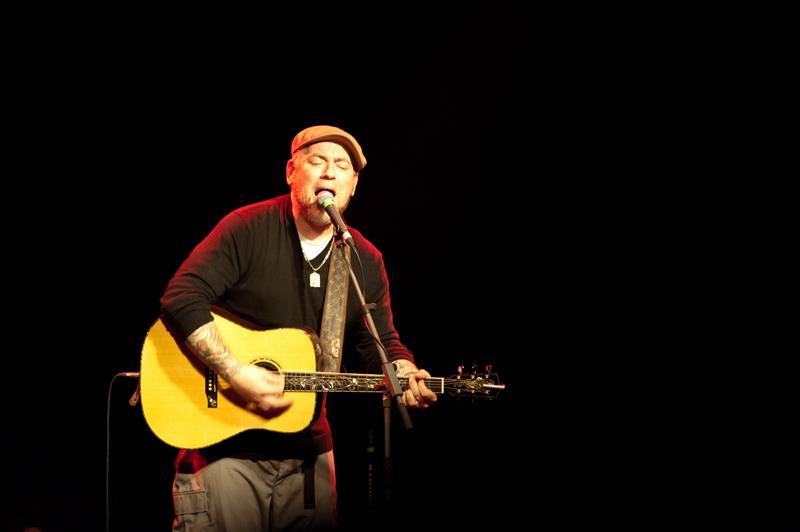 LIVE: Everlast ořezal své písně na dřeň a ukázal, jak s noblesou dospět