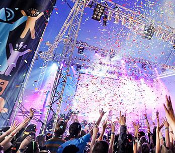 SPECIÁL: Kdo dorazí v létě na festivaly? 10 tipů redakce