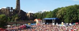 Festival Okoř láká na Chinaski, Tomáše Kluse i Divokýho Billa