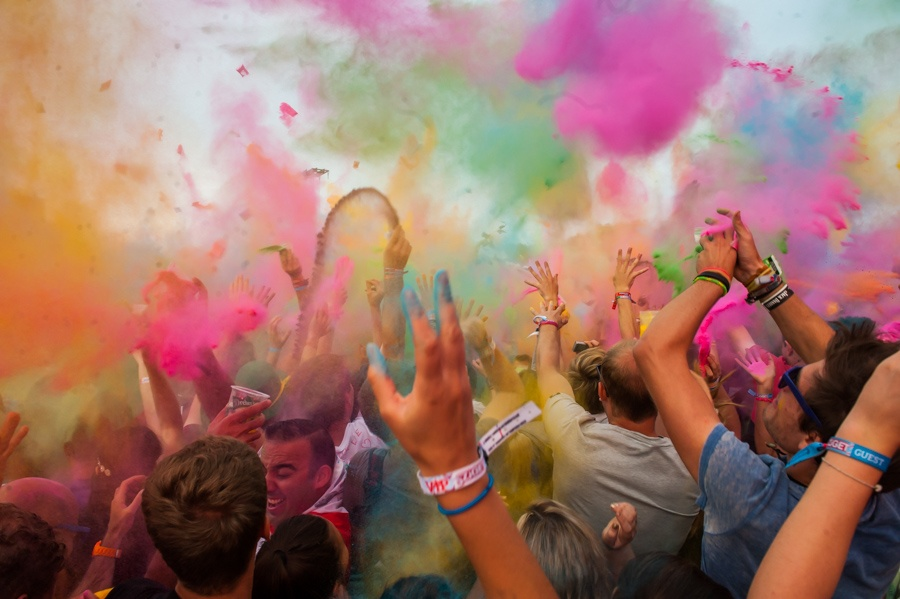 sziget-1 colourparty