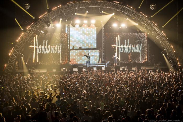 LIVE: Bizár roku: Haddaway, Culture Beat a Leoš Mareš křísili devadesátky
