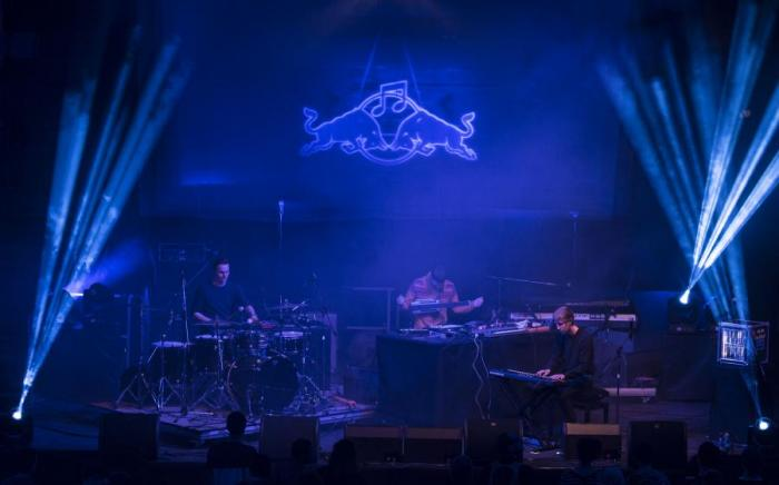 LIVE: Red Bull Music Academy base camp - Thundercat a neuctivá vlaštovka