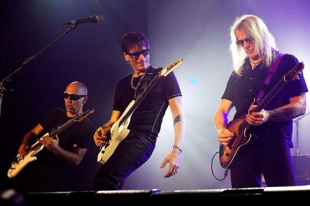 LIVE: G3 aneb tři hodiny kytarové onanie