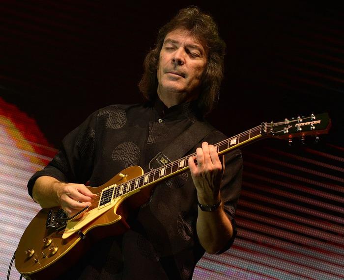 Steve Hackett v Praze zavzpomíná na Genesis