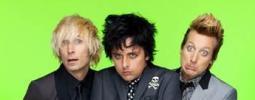 Nové video Green Day: v hlavní roli magneťák a kazeta