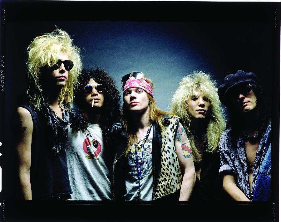 Guns N' Roses přišli o kytaristu. Hrozí kapele rozpad?