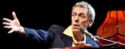 LIVE: Hugh Laurie ordinoval starou americkou muziku