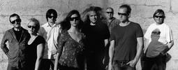 Jasná páka vydává první oficiální album. Po třiceti letech