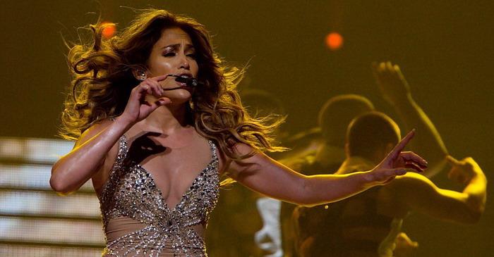 LIVE: Jennifer Lopez se v Praze třpytila, ale příliš nezpívala
