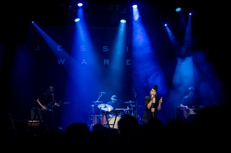 LIVE: Jessie Ware okouzlila zpěvem, přirozeností i nadhledem