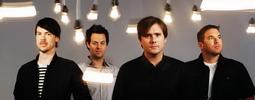 VIDEO: Jimmy Eat World a jejich přehlídka snubáků