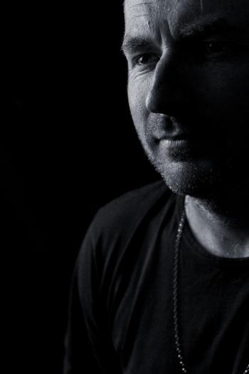 Britský producent Jimpster pokřtí novou desku vpražském Buddha-Baru