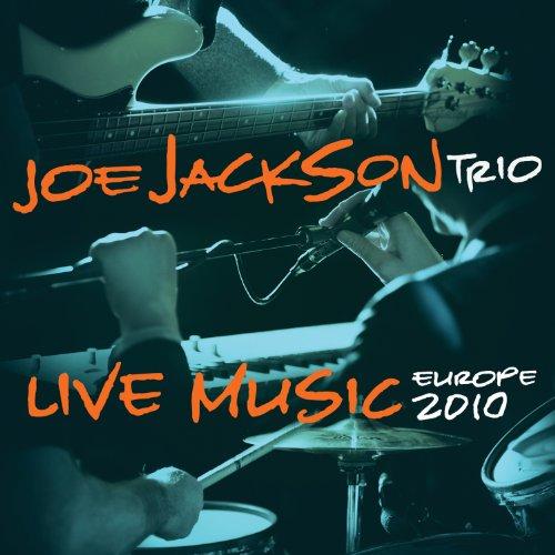 RECENZE: Joe Jackson vydal (ne)živé album z evropského turné