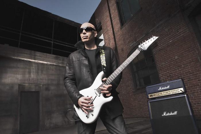Kytarové orgie v přímém přenosu: Joe Satriani chystá dva koncerty v Česku