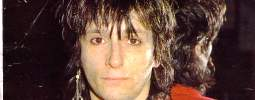 SMRT SI ŘÍKÁ ROCK'N'ROLL: Johnny Thunders (44.)